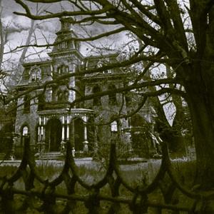 The Creepy Old House - Kimberly Steele